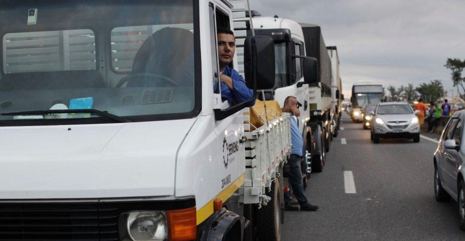 Em meio a rumor de greve, preço do diesel atinge recorde no ano