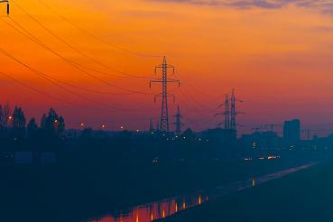 Quantos quilômetros de linha de transmissão de energia temos no Brasil?